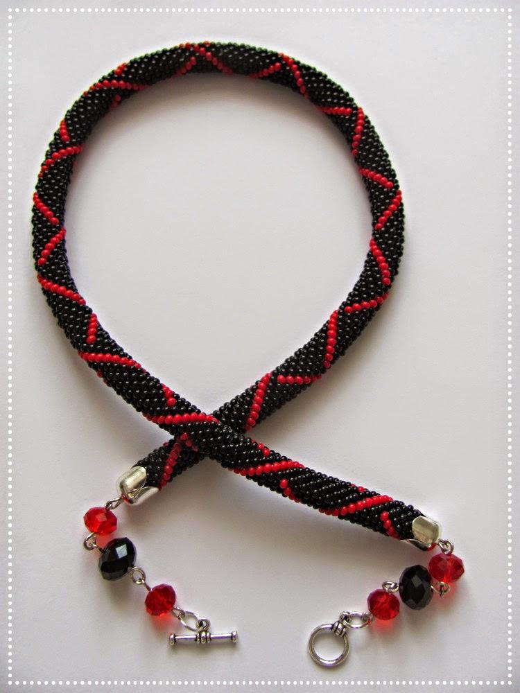 вязаній жгут из бисера