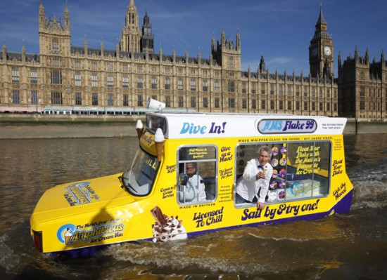 World's First Amphibious Ice-Cream Truck Sails the Thames