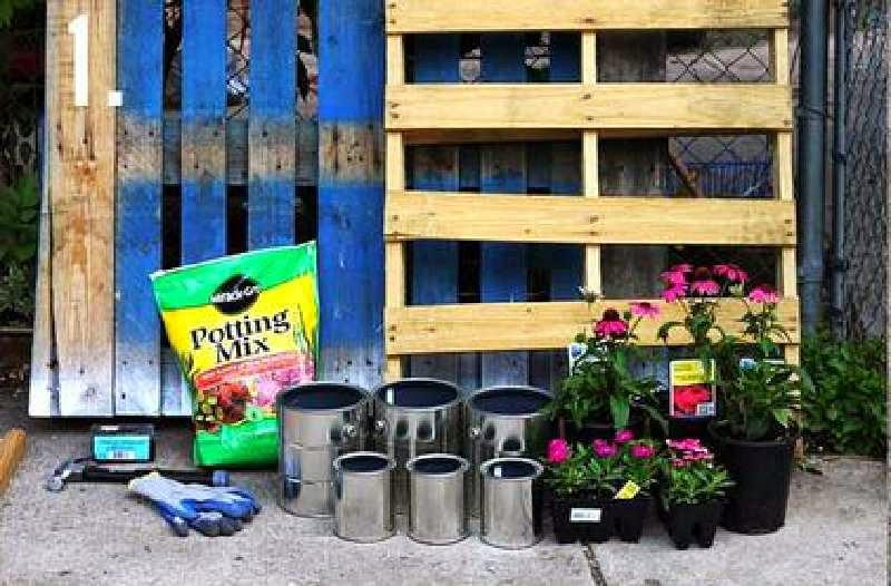 Como hacer un bonito jard n con palets for Como crear un jardin