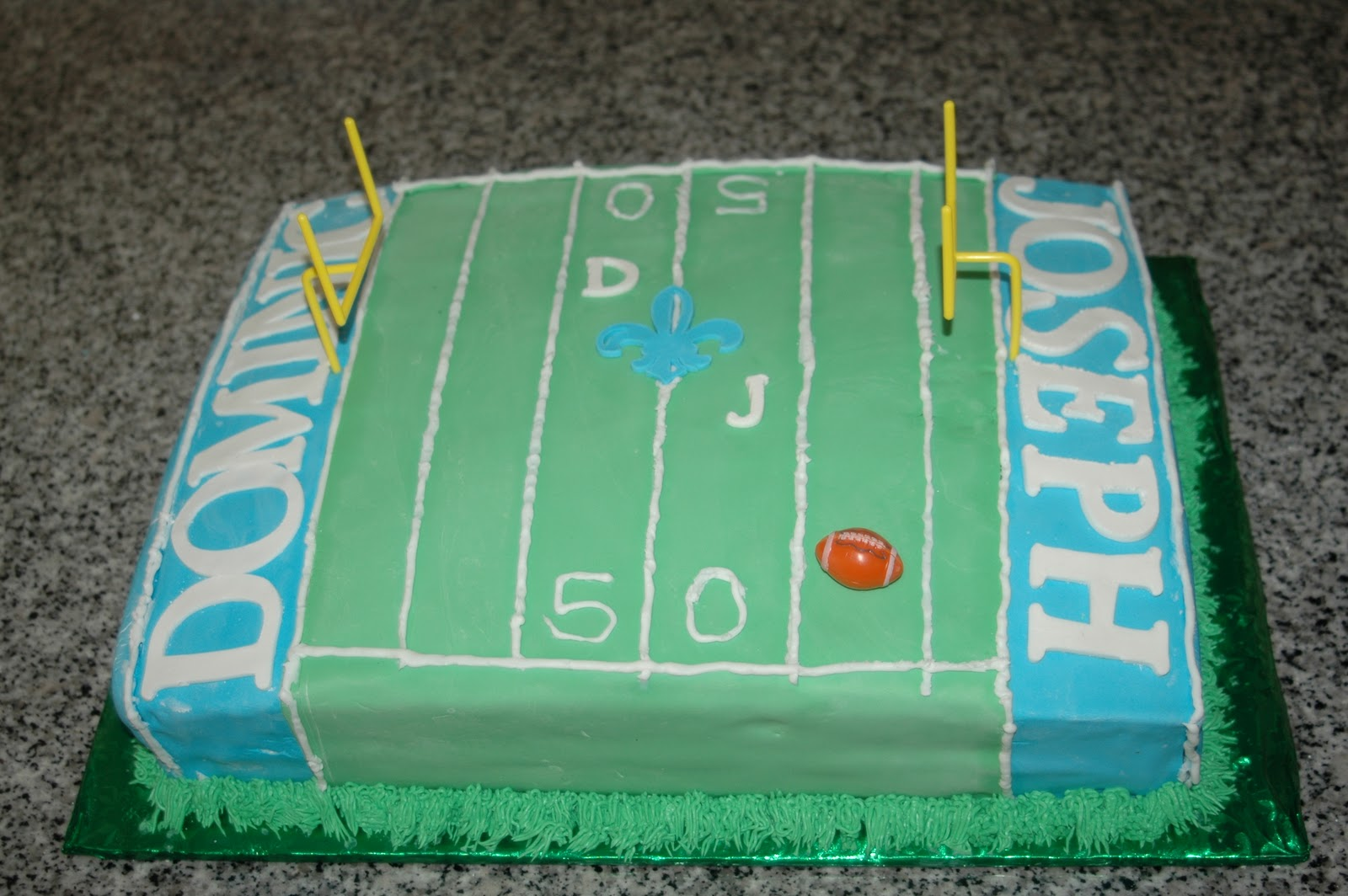 Roxy s Sweets: Football Field Cake