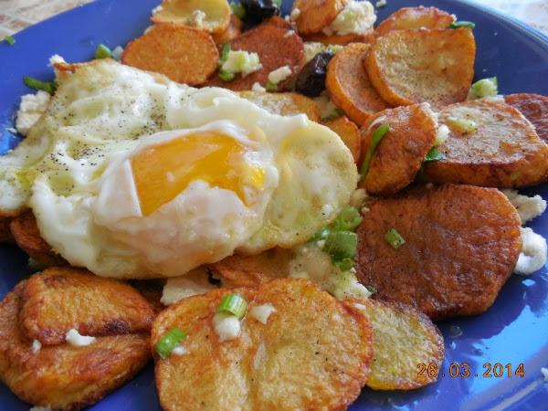 cartofi prajiti rondele si ou ochi
