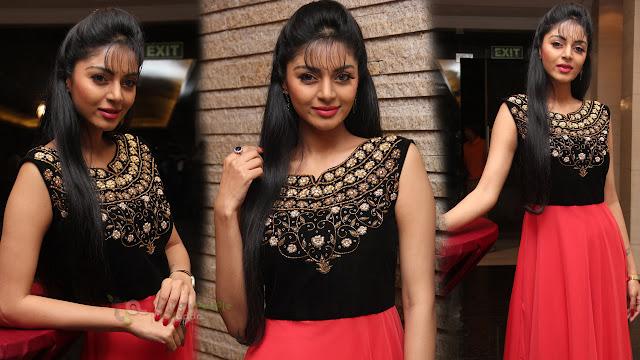 Actress Sanam Shetty Latest HD Stills