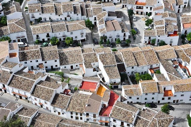 Andalusia, Kota Paling Putih Sedunia