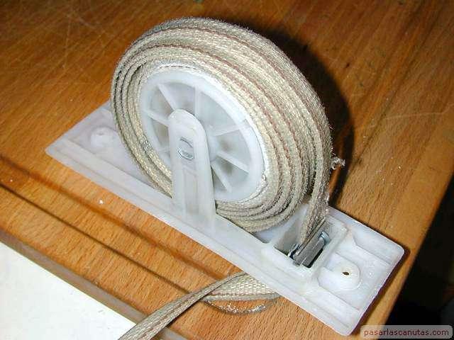 Reparaciones caseras cambiar correa o cinta a persiana manual - Cambiar cinta persiana pvc ...