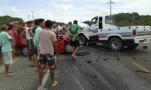 http://4.bp.blogspot.com/-SB0L-Hp1KQg/VlMOoKC5gSI/AAAAAAABUWs/6W5JIT5XSb8/s1600/acidente-cruz-300x180.jpg