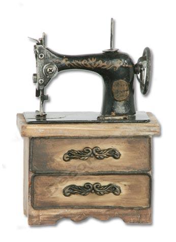 Neo arquitecturaymas decorar con m quinas de coser antiguas - Comprar maletas antiguas decoracion ...