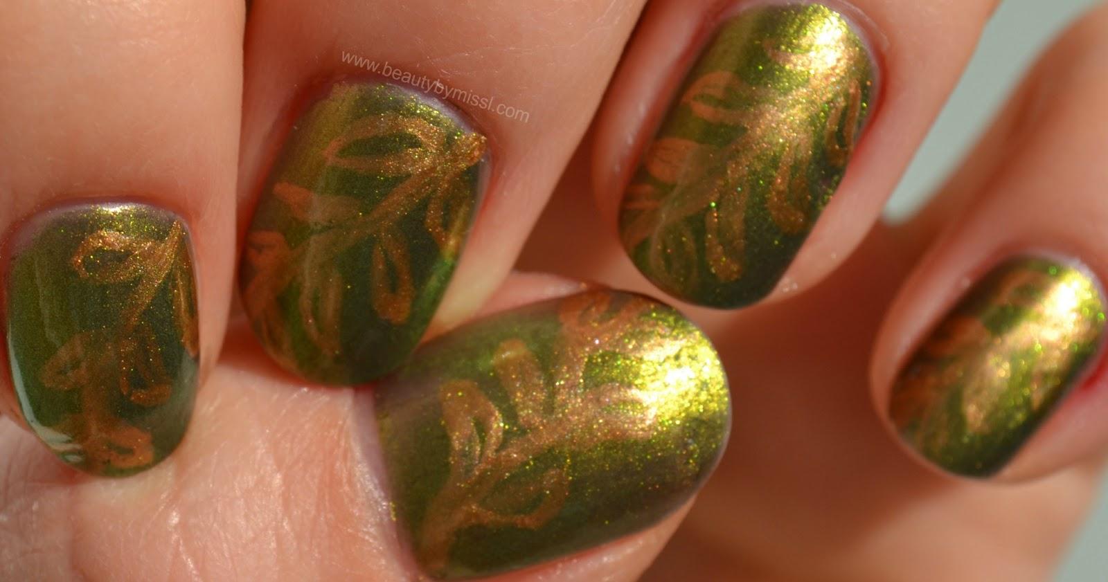 nail art drawing leaves