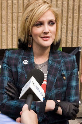 Drew Barrymore Etched Earrings