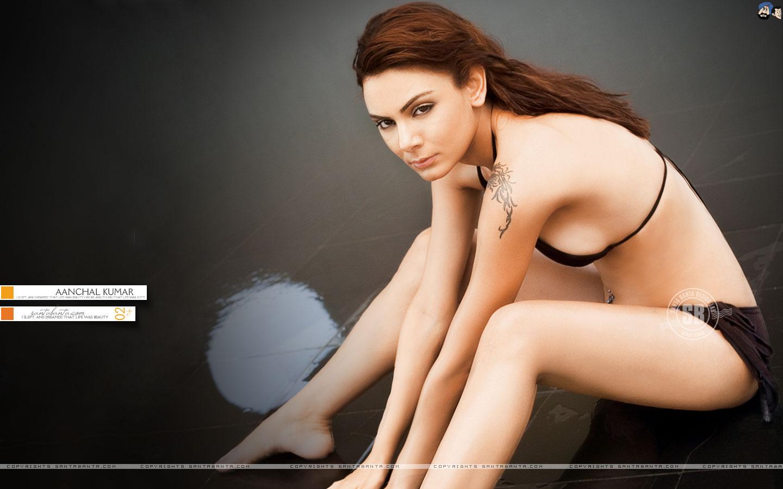 http://4.bp.blogspot.com/-SBiIirgS7ZY/Tlhn8EEA23I/AAAAAAAAA6Q/5Rp8cKSHMv8/s1600/Santabanta+Wallpapers.jpg