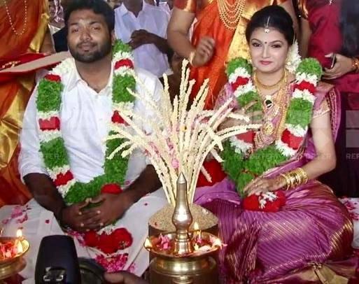 Saranya Mohan wedding photos