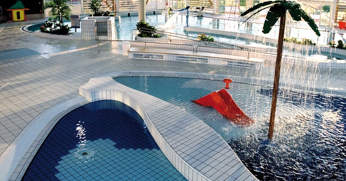 Tout sur la ville de tours piscine la riche carr d 39 for Piscine tours