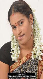 Aunty Actress Mahathi in saree