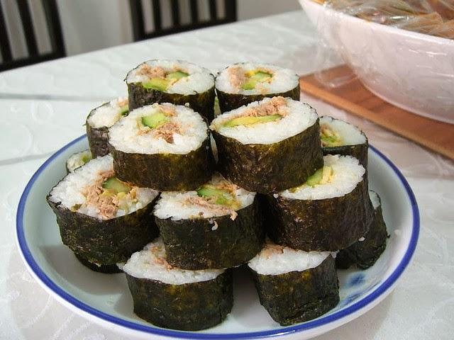 roll maki sushi