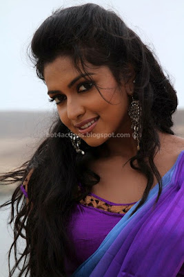 AMALA PAUL SPICY HOT NAVEL PHOTOS