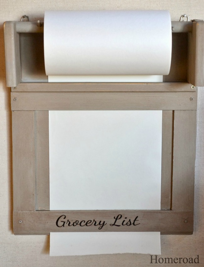Vintage Inspired Kitchen Paper Roll www.homeroad.net