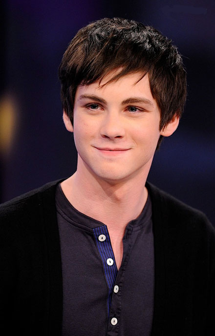 Logan Lerman - Wallpaper Gallery