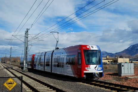 TRAX+S70+Test+train+at+9400+South+station+low+res.jpg