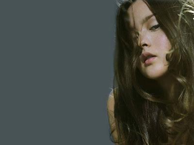 American Model and Actress Devon Aoki Wallpaper