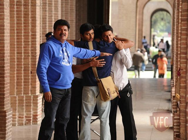 http://4.bp.blogspot.com/-SCphSQSe7ik/TYSTyWmEfxI/AAAAAAAABNM/Xl8GbrIe1ts/s1600/vijay-nanban-movie-stills-09.jpg