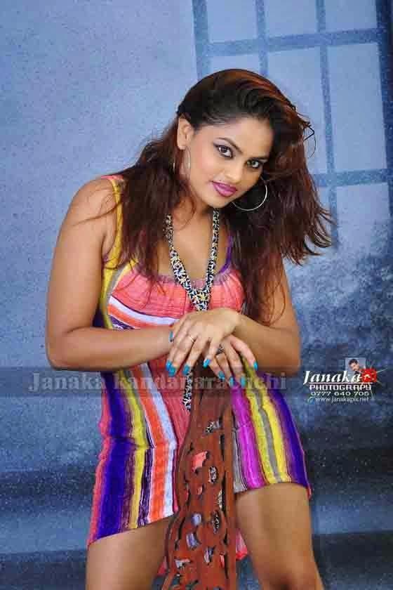 Thanuja Jayasinghe sexy legs