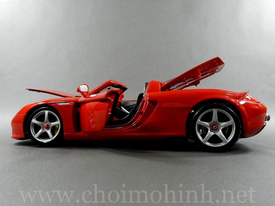 Porsche Carrera GT 1:18 Maisto door