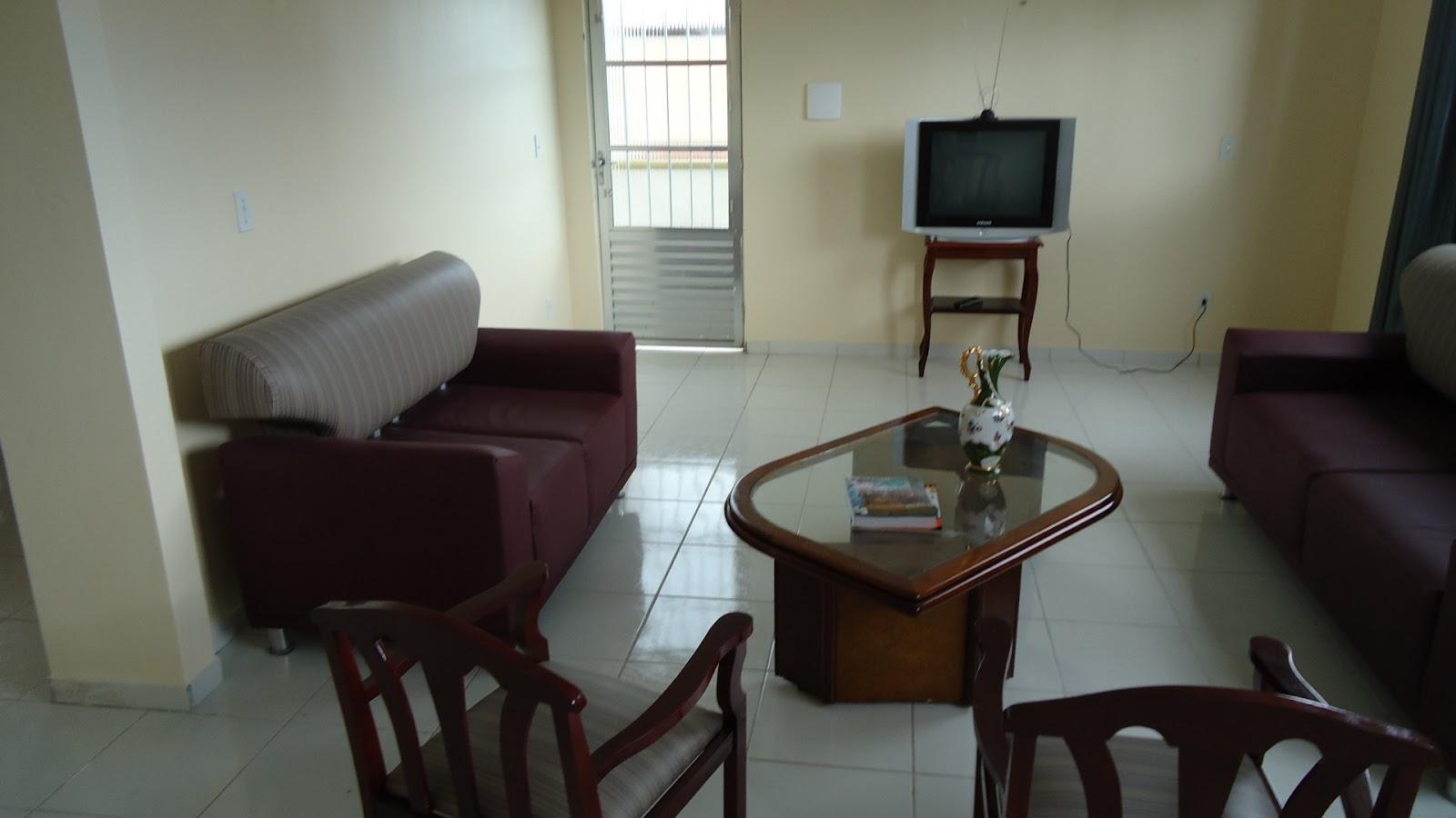 Outro ângulo da sala de estar do pensionato lar das meninax - Fortaleza-CE
