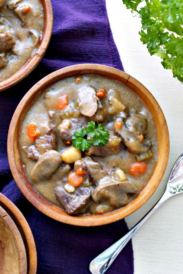 Chunky Beef Stew | thetwobiteclub.com