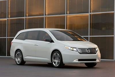 Car Overview: 2013 Honda Odyssey