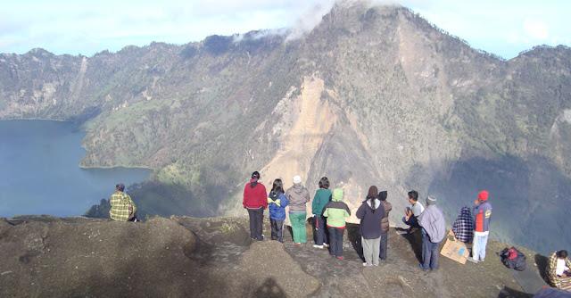 Plawangan Sembalun 2639 meter of Mount Rinjani