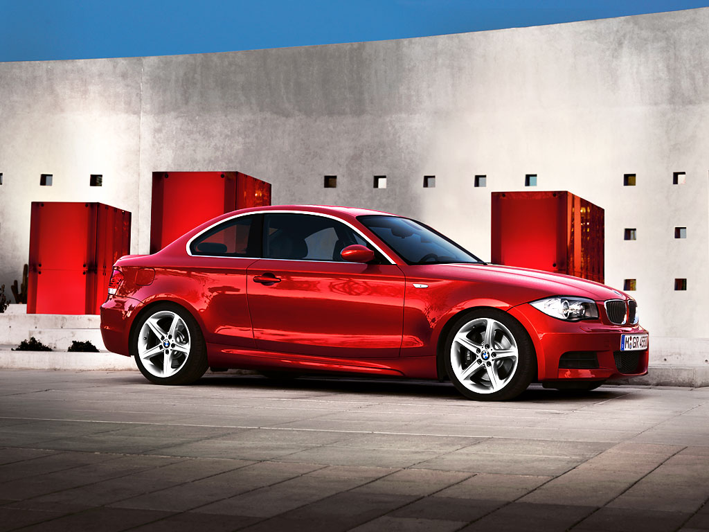 http://4.bp.blogspot.com/-SDiODjy04Pk/Ti5EzkeQtgI/AAAAAAAAAik/Mp1_DkVhLZw/s1600/BMW-1series-coupe-wallpaper-33.jpg