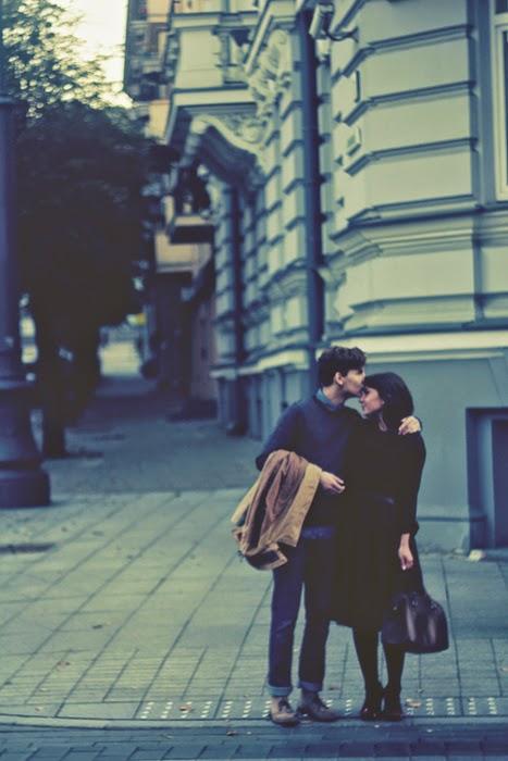 من و تو یکروز بارانی در خیابان ولیعصر
