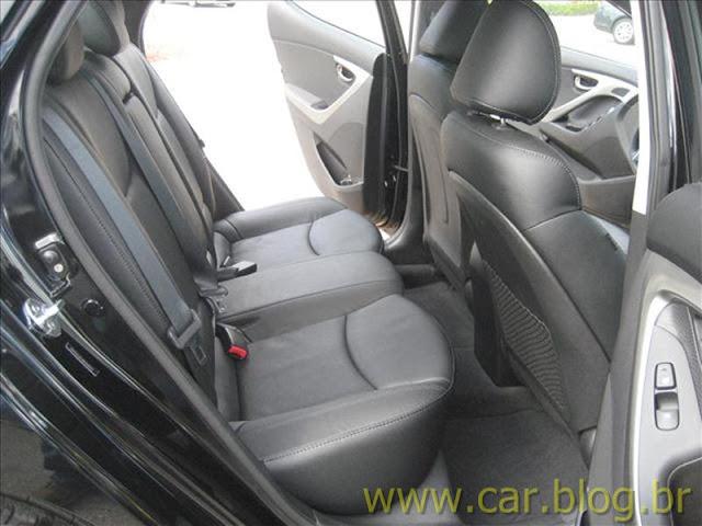 Hyundai Elantra 2012 GLS 1.8L Automático - teste auto esporte