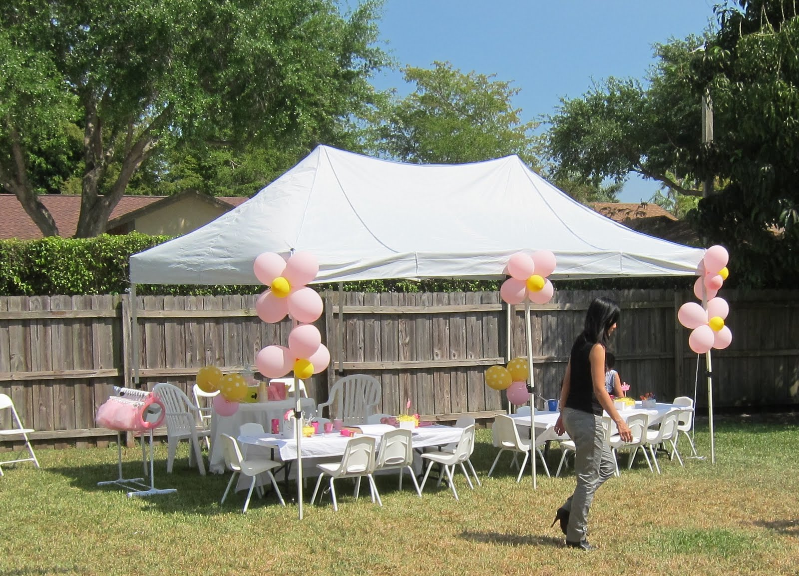 Pics for party tent decoration ideas for Outdoor party tent decorating ideas