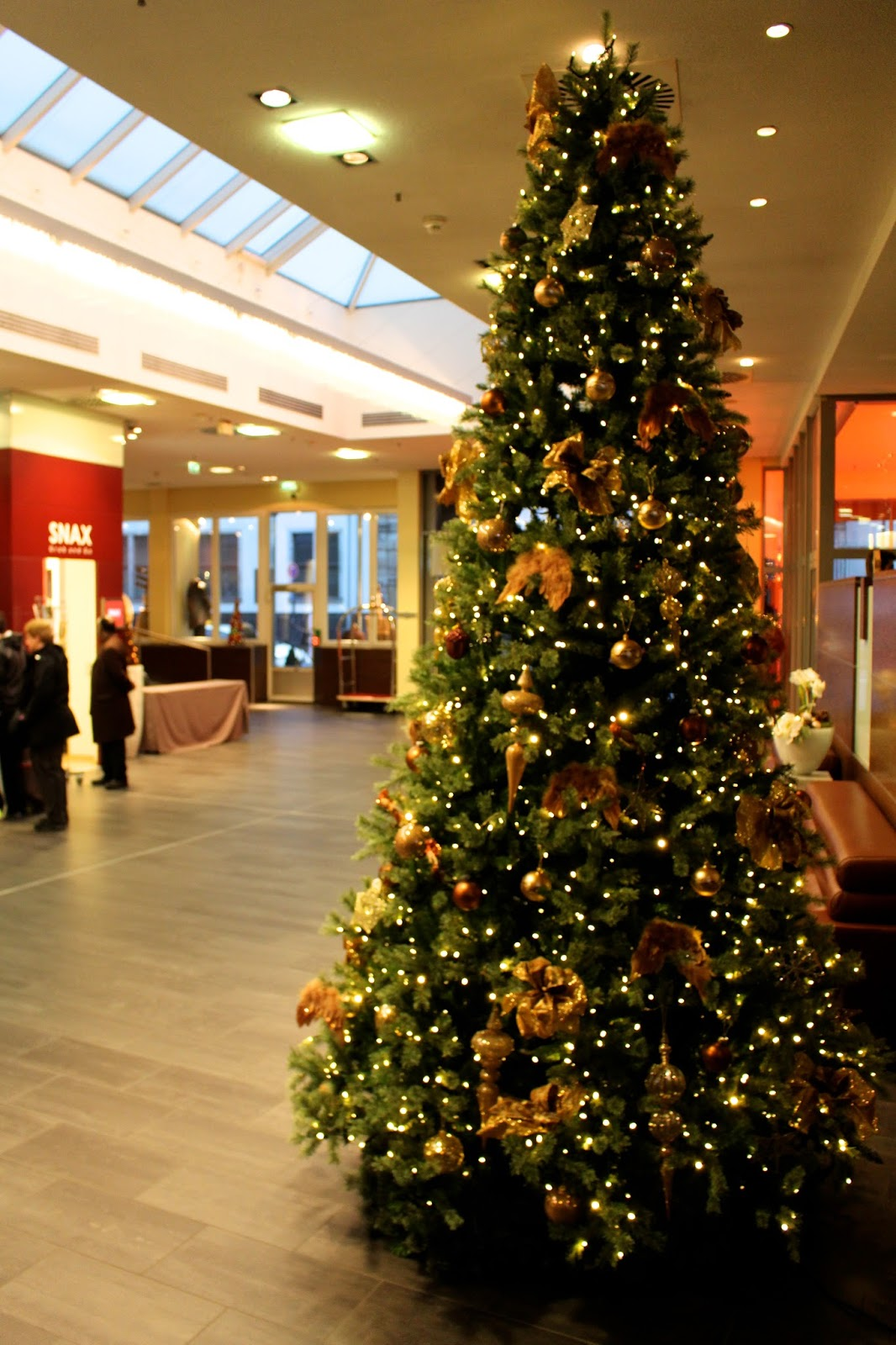 Hilton Cologne Hotel Entrance