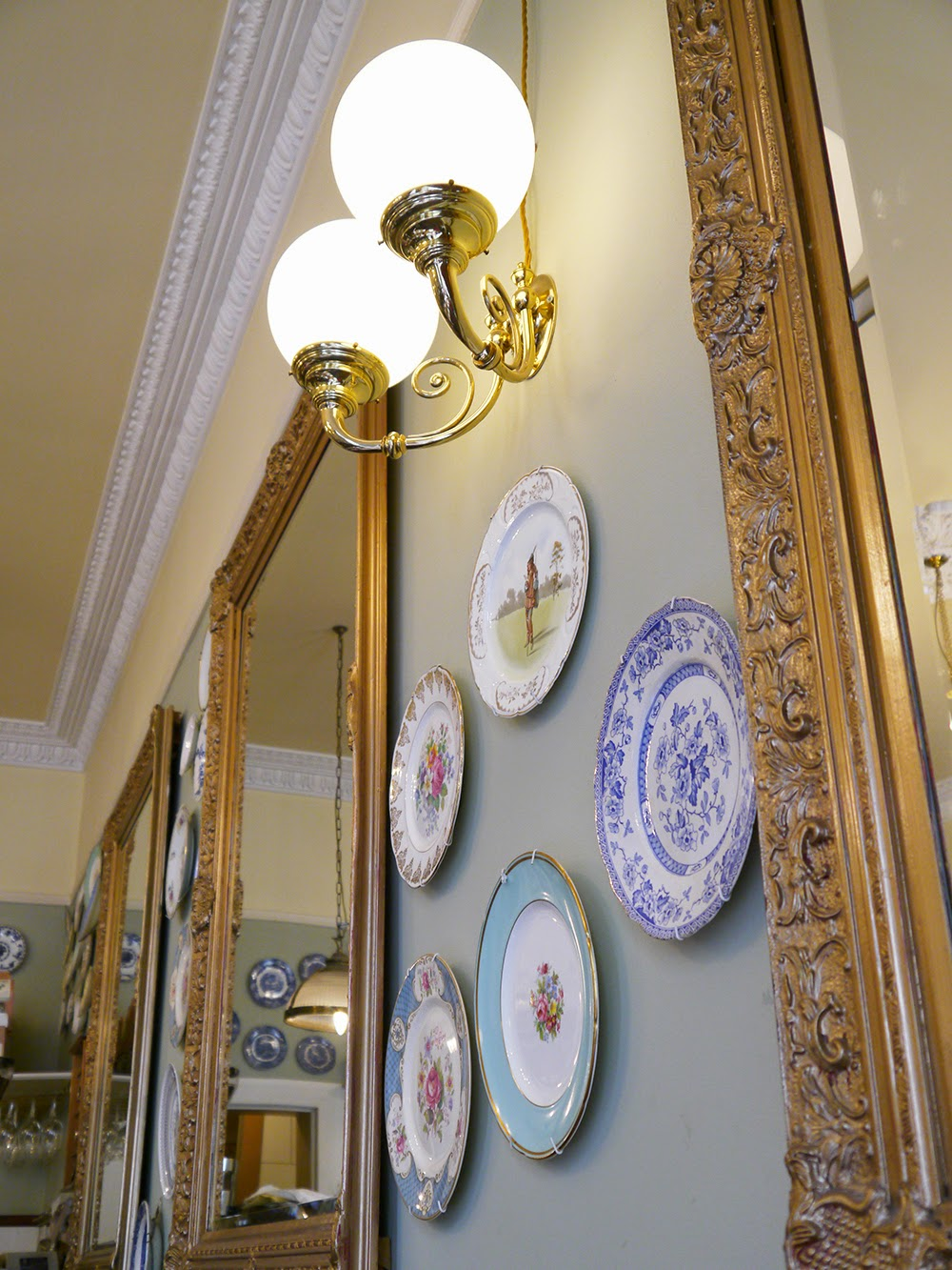 the Butterfly and the Pig, ornate, tea room, Bagth Street, Glasgow, cake, recommended, vintage plate, gilded