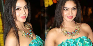 Angana Roy in a Shoulderless Green Deep Neck Gown Beautiful Pics