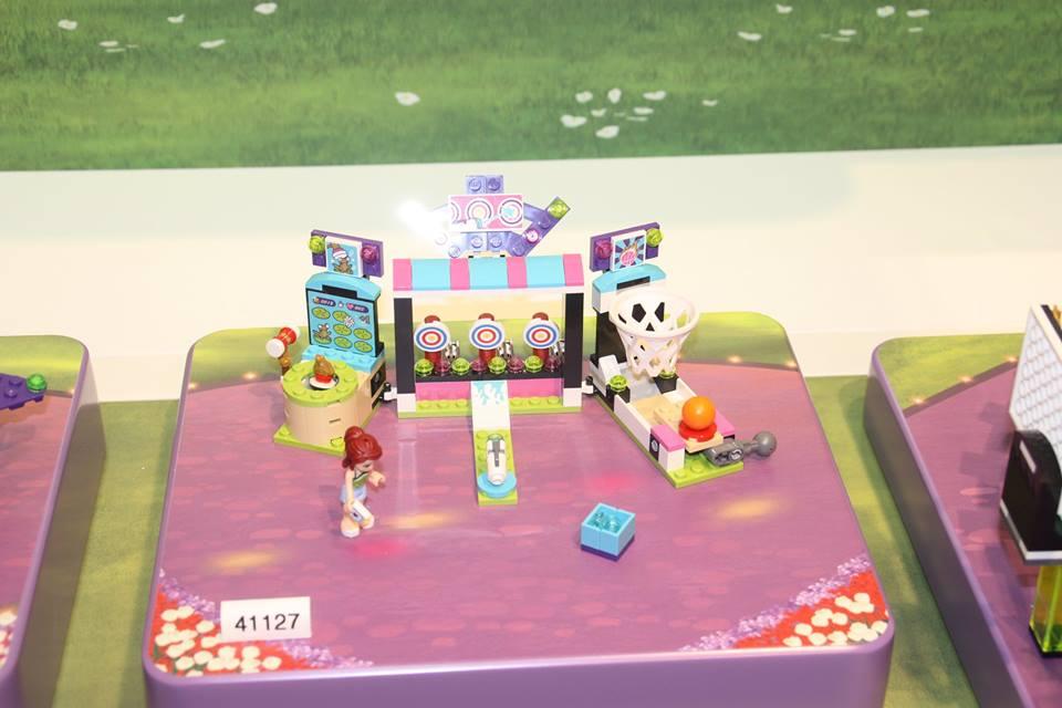 http://4.bp.blogspot.com/-SENNwNVY2YI/VqkeClWW4LI/AAAAAAAAE10/LqYloYpktkc/s1600/Amusement-Park-Arcade-41127.jpg