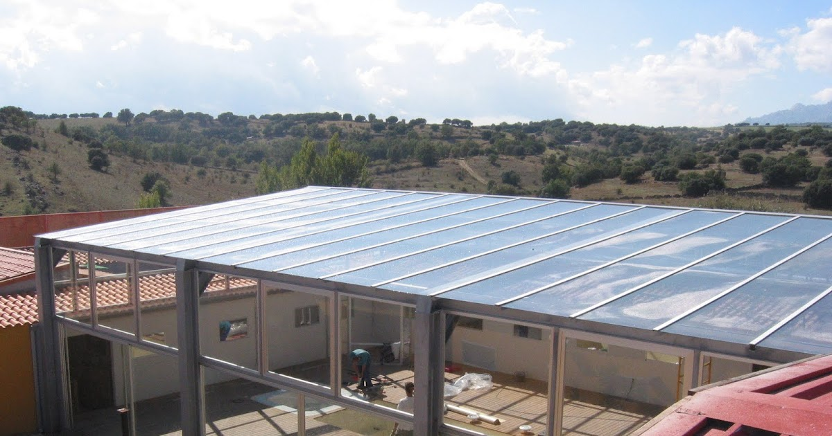 Cerramientos de casas rurales casas rurales y hoteles for Casa rural con piscina cubierta
