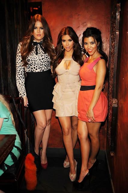 khloe+kim+kourtney+kardashian Kardashian Style Makeup Organizer Winners!