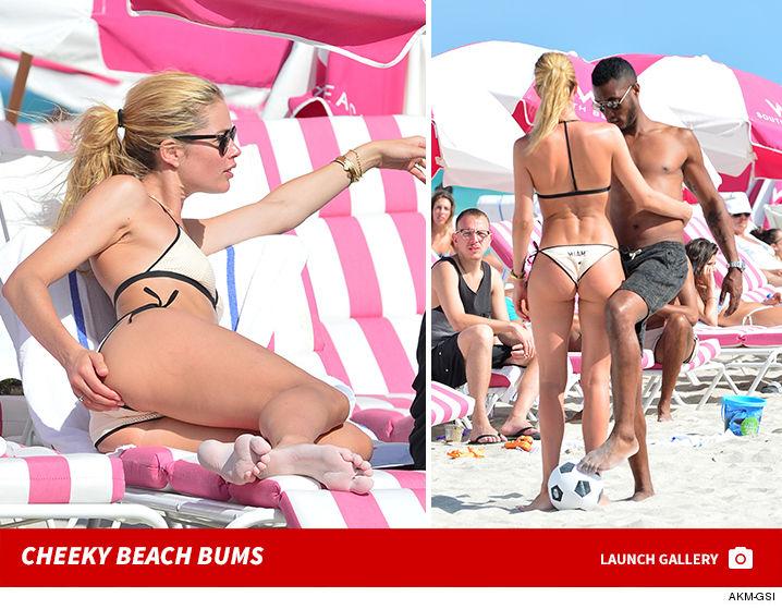 MODELO DOUTZEN KROES ANO NOVO ,jogar futebol de praia em um biquíni
