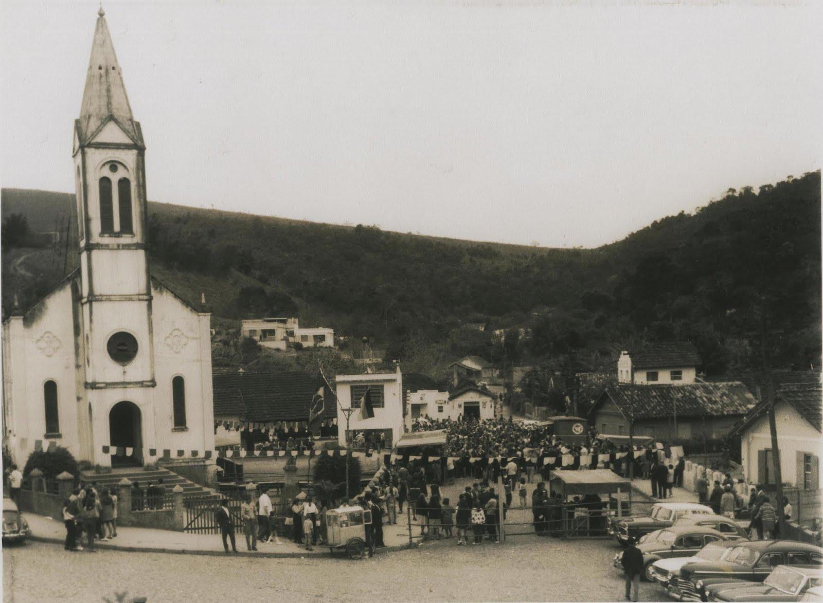 foto antiga da Igreja de São vicente de Paulo