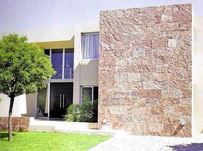 Decoraciones y mas hermosas casas con fachada de piedra for Fachadas de casas modernas con piedra