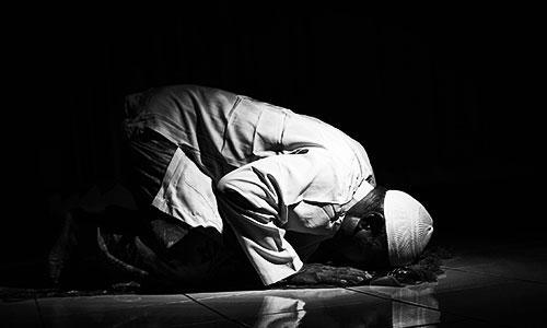Niat Doa & Cara Shalat Tahajud Lengkap Dengan Terjemah