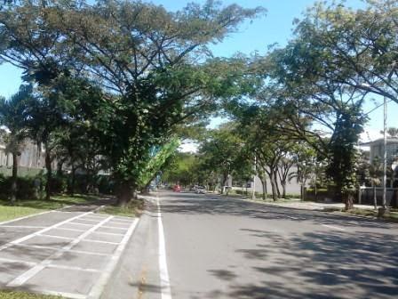 Jalan utama Perum Royal Residence