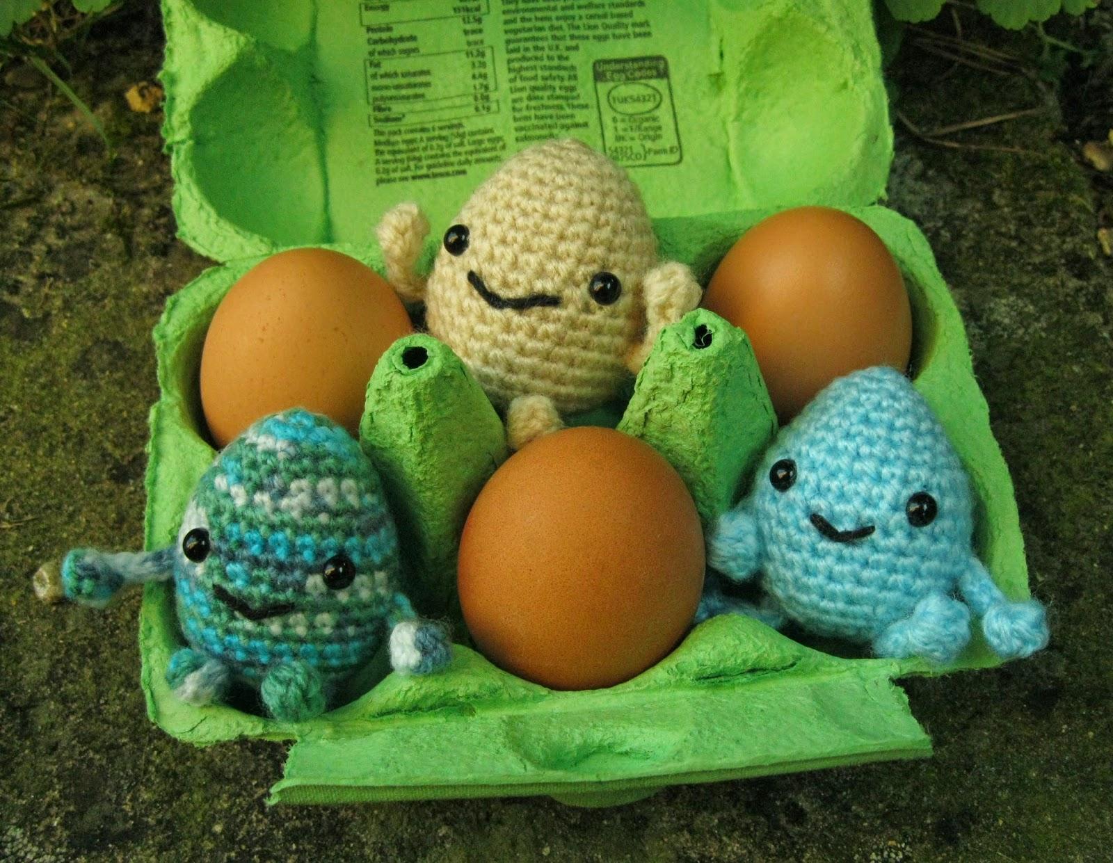 Amigurumi Crochet Egg Pattern : LucyRavenscar - Crochet Creatures: Easter Patterns