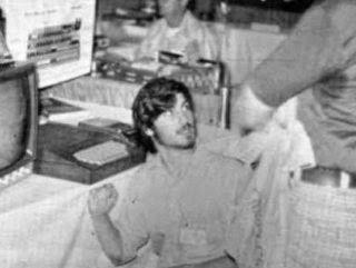 Steve Jobs'ın ilk Bilgisayarı The Apple 1 Satıldı