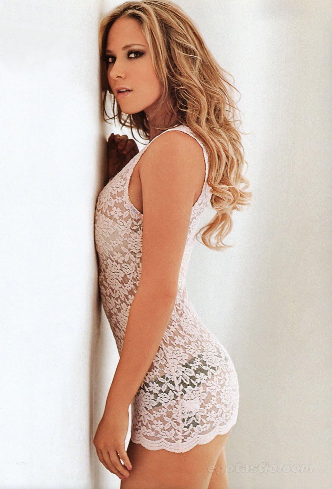 Chica De La Semana Vanessa Huppenkothen