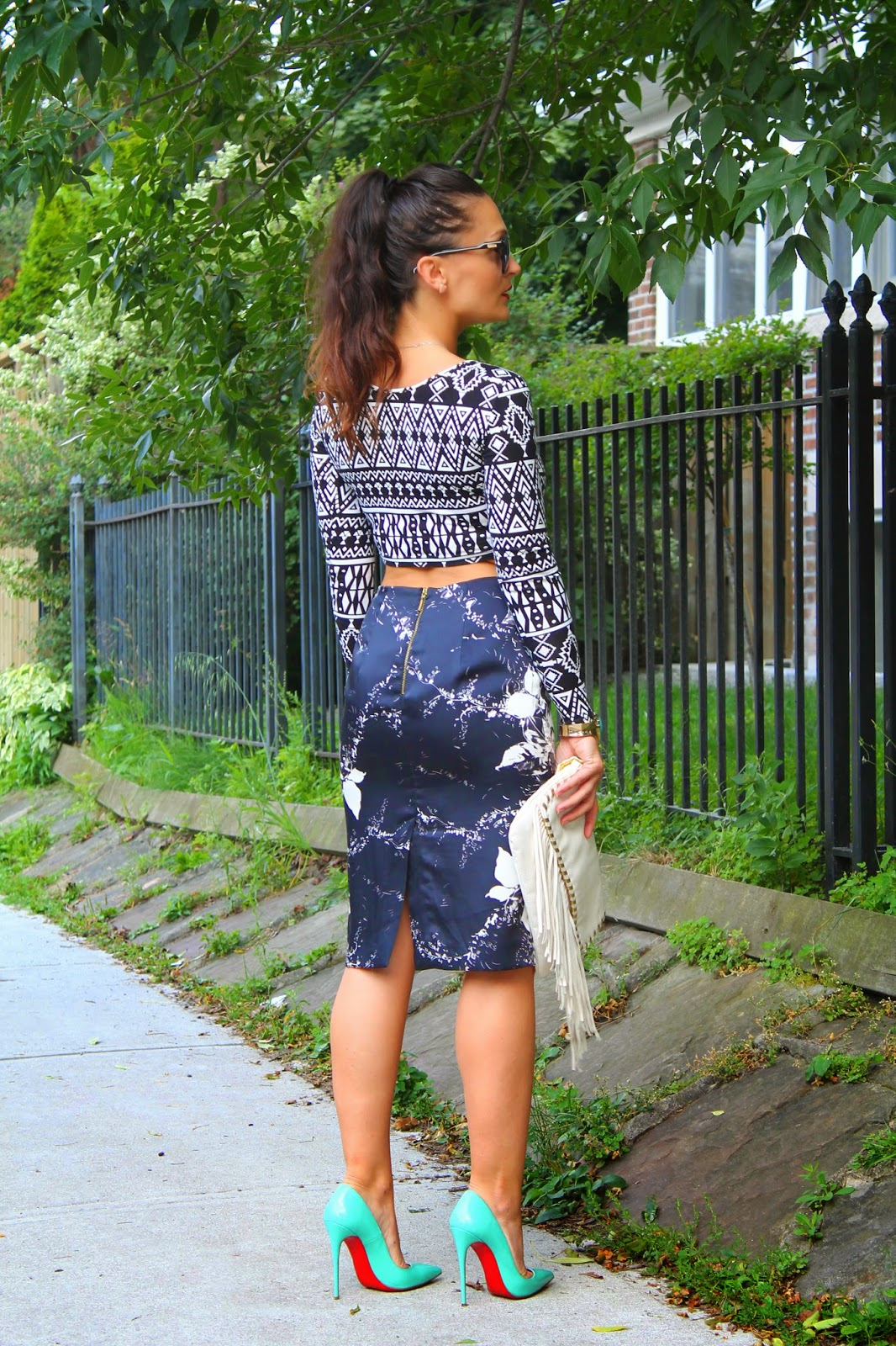 Print mixing, how to wear cropped top, cropped top and pencil skirt, monochromatic print mixing, Louboutins, blogerke, toronto street style, canadian fashion blogger