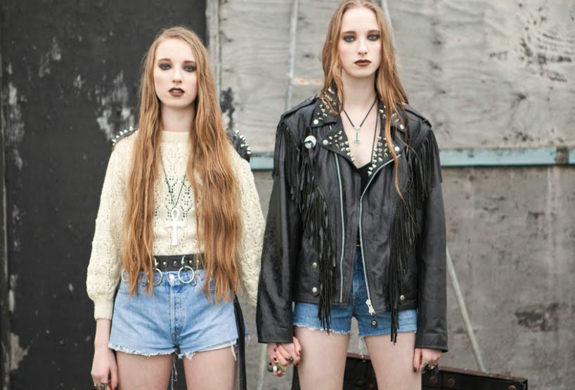 http://4.bp.blogspot.com/-SG3cLi22oYY/Ti8h7lWg_AI/AAAAAAAAOYw/fqWQORORJ5A/s1600/leather.jpg