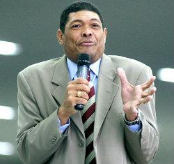Valdemiro Santiago, fundador da Igreja Mundial